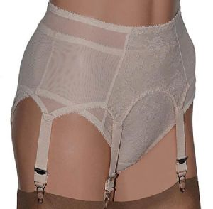 Pull-on Retro 6 Strap Suspender Belt & Knickers set in Beige